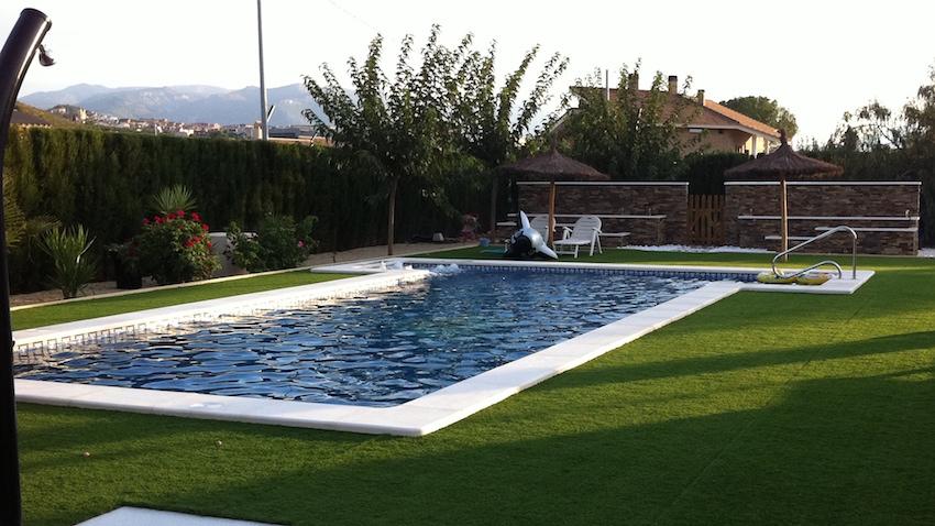 piscina los bazacos edificación